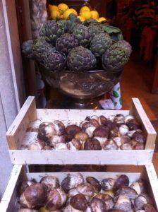 Alcachofras, limões sicilianos e ostras.