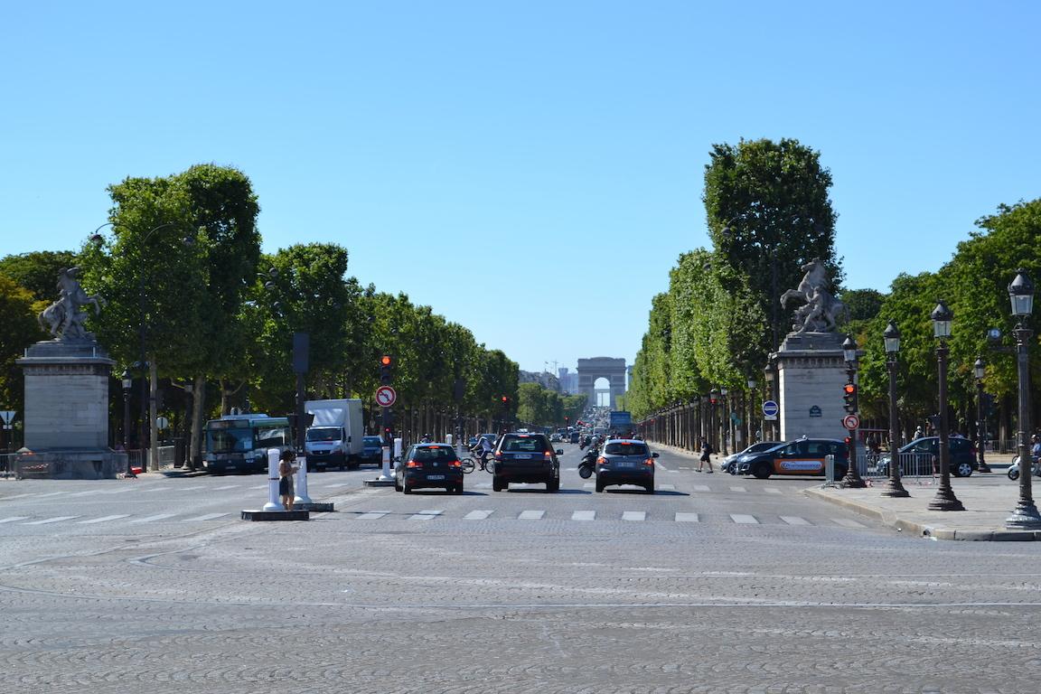 Champs Élysées vista da Praça da Concórdia