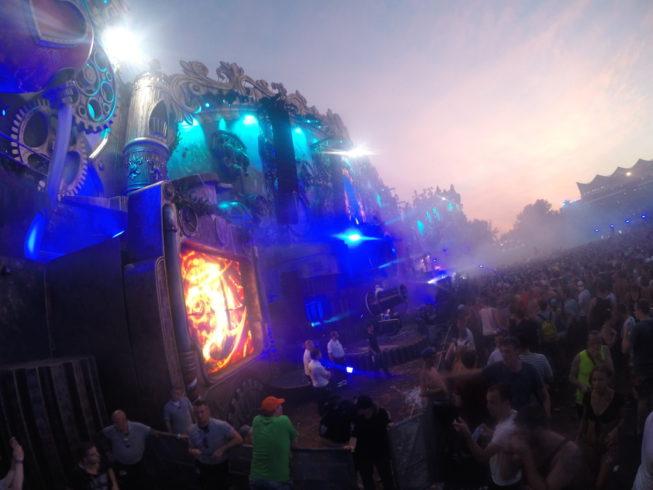 Tomorrowland 2014 lateral do palco principal