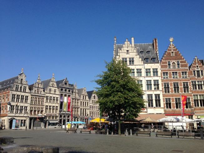 Grote Markt e seus prédios históricos