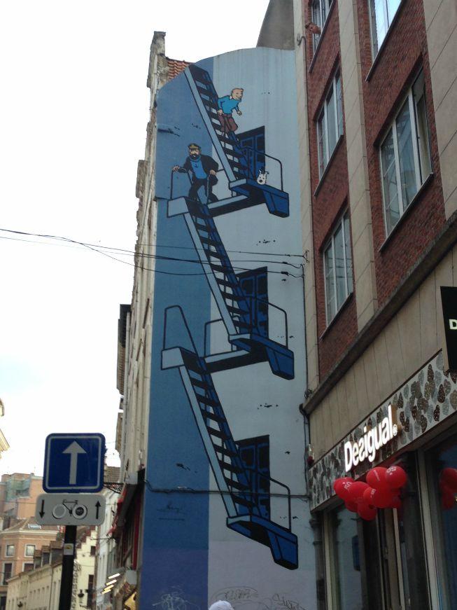 Muro com ilustração do Tintin