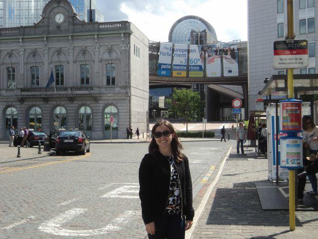 Praça Luxembourg - ao fundo o Parlamento Europeu