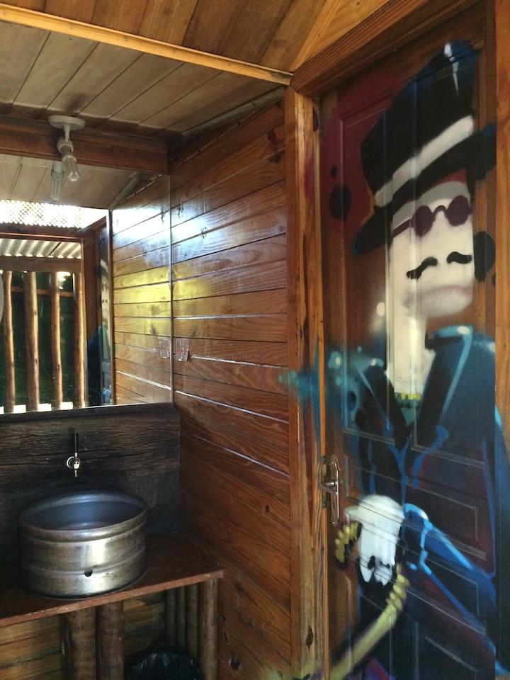 Porta do banheiro do Ranz bar