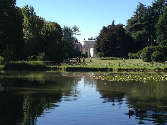 Parque Sempione. Ao fundo o Arco della Pace (Arco da Paz)