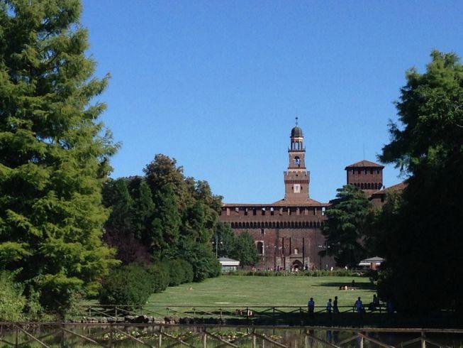 Parque Sempione e ao fundo o Castello Sforzesco