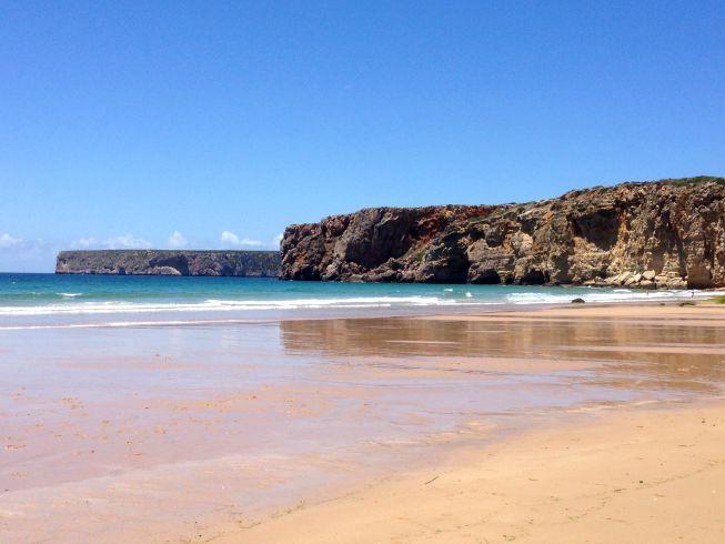 Formações rochosas na Praia do Beliche, em Sagres