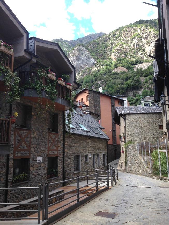 Andorra o que fazer em Andorra La Vella - Lindas casas de pedras