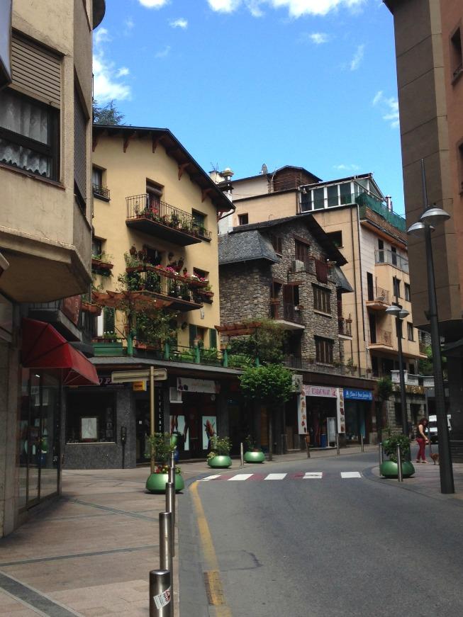 Andorra o que fazer em Andorra La Vella - Linda ruazinha em Andorra
