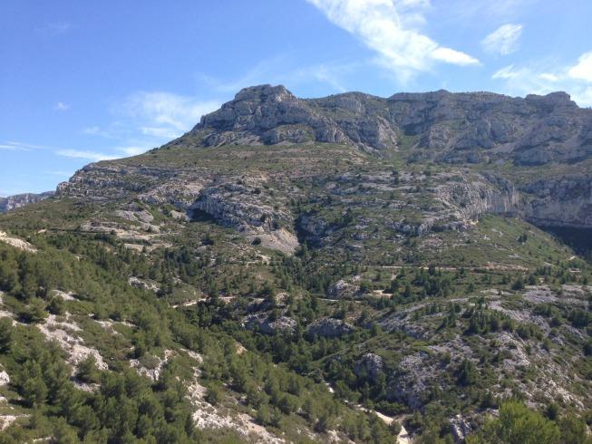 Lindas montanhas ao longo da trilha