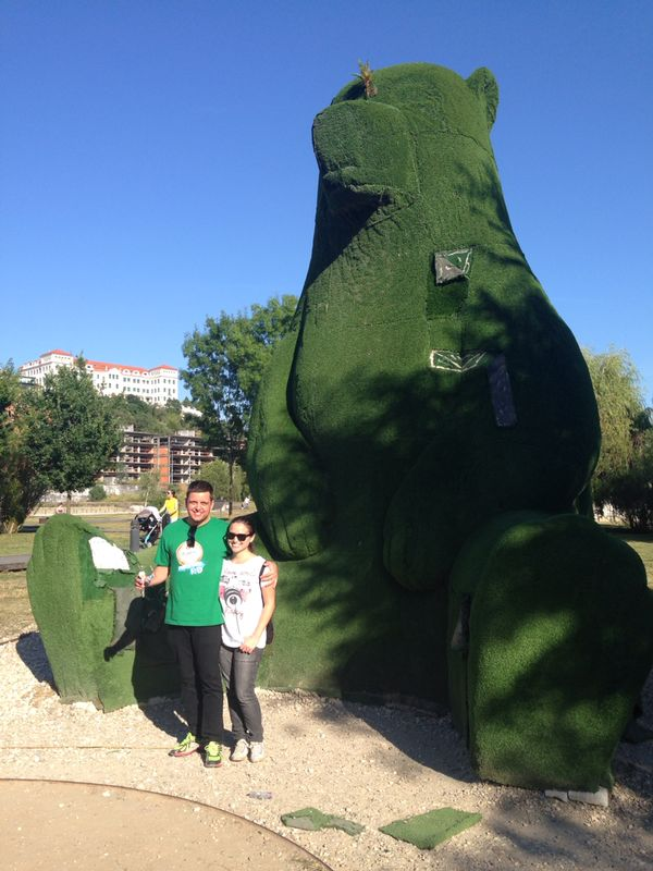 Urso enorme no Parque Verde